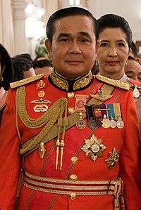 Prayut Chan O Cha in alta uniforme qunad'era in servizio